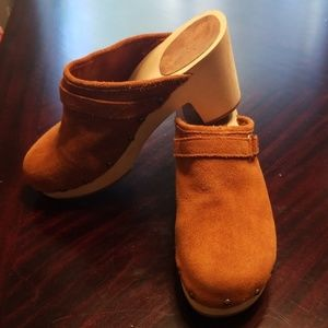 Gap clogs